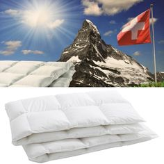 Natürliche Daunen für ein unverwechselbares Schlafgefühl – mit dem Daunenduvet Mira Mount Everest, Nature, Travel, Climbing, Open Window, Bed Covers, Cassette Tape, Things To Do, Naturaleza