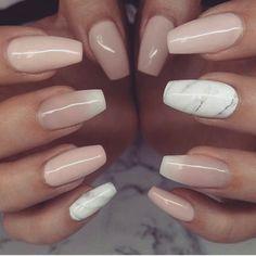 Marble and nude nails Bad Nails, Cute Nails, Pretty Nails, Classy Nails, Acrylic Nail Powder, Acrylic Nail Art, French Nails, Vacation Nails, Neutral Nails