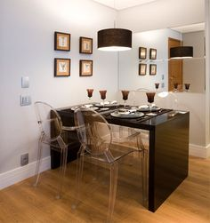 läpinäkyvää Chair, Table, Room, Furniture, Home Decor, Log Projects, Bedroom, Decoration Home, Room Decor