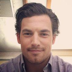 """Dite Ciao al Dr. De Luca (Giacomo Gianniotti) direttamente dal Grey Sloan Memorial Hospital"""" Video dal Instagram ufficiale: https://instagram.com/giacomo_gianniotti #GreysAnatomy"""
