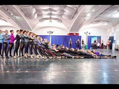 How the Rockettes Prepare for the Christmas Spectacular - YouTube
