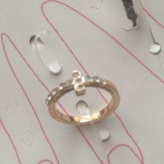 Cross midi ring! Cross midi ring Love Culture Accessories