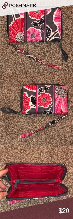 528617eef8b5 Vera Bradley Wristlet Wallet Vera Bradley wallet with wrist strap attached  Has 4 card slots