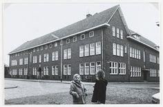 Het voormalige klooster van de zusters van J.M.J. in de Doelstraat. Later werd dit het laatste gemeentehuis van de gemeente Zevenbergen
