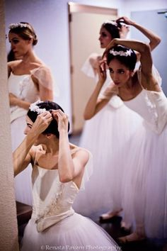 ballerinas getting ready