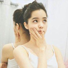 Chinese Actress, Pretty Baby, Ulzzang Girl, Hair Hacks, Makeup Inspiration, Art Girl, Asian Beauty, Asian Girl, Beautiful People