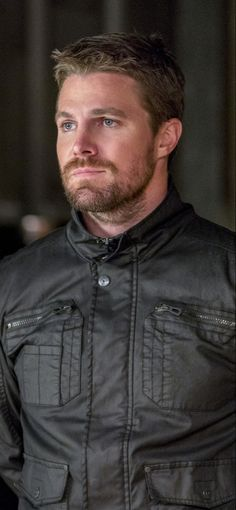 Stephen Amell As Oliver Queen Season 6 In Resolution Team Arrow, Arrow Tv, Green Arrow, Oliver Queen Arrow, Stephen Amell Arrow, Oliver And Felicity, Dc Comics Superheroes, Supergirl And Flash, Cute Actors