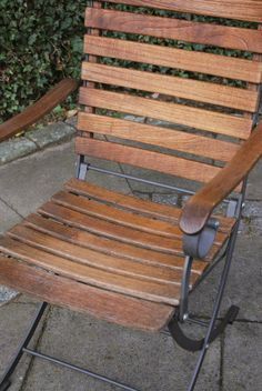 Exterior garden chair revived with Decking Oils (007 Teak Oil, clear)