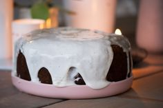 Squashkage med god chokolade og valnødder - den lækreste, saftige, krydrede og svampede squash kage blev bagt og opskriften får du her