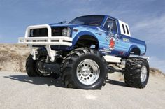 Re-release of the Tamiya Toyota Bruiser -> an awesome three speed four wheel drive RC Truck Rc Cars And Trucks, Lifted Trucks, Cool Trucks, Chevy Trucks, Cool Cars, Remote Control Planes, Radio Control, Radios, Rc Model