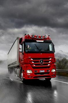 Mercedes V8 Truck