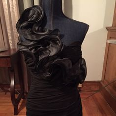"""Black is timeless Beautiful one armed dress. Worn only once.  Dress gathers at waist as a perfect silhouette.  Slightly above knee for daughter who stands at 5'4"""".  Fit like a glove. Perfect for a wedding, sweet 16 or an after give semi formal event Cinderella design Dresses Prom"""