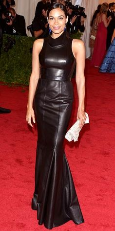 Rosario Dawson in black leather Calvin Klein dress at Met Gala 2012 Long Leather Skirt, Black Leather Dresses, Leather Skirts, Leather Outfits, Leather Pants, Dresses For Apple Shape, Costume Institute, Leather Fashion, Women's Fashion