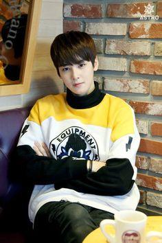 Exo-M Xiumin cute Cha Eun Woo, Cute Asian Guys, Asian Boys, Asian Men, Astro Eunwoo, Cha Eunwoo Astro, Lee Dong Min, Astro Fandom Name, Pre Debut