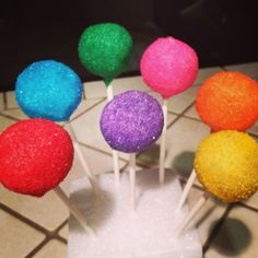 Bright cake pops #dzineurpops Candy land or Rainbow theme
