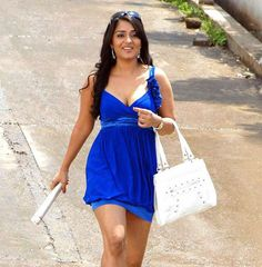 Nikitha Thukral Hot Spicy Cleavage stills in Movie Prince Indian Actress Name, Indian Actresses, Tamil Actress, Bollywood Actress, Lara Dutta, Kannada Movies, Indian Models, Friends Fashion, Hottest Pic