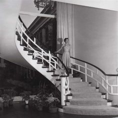 The Duchess of Windsor on the spiral staircase in #TheGreenbrier's Presidential Suite. http://www.greenbrier.com