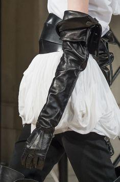 Ann Demeulemeester at Paris Fashion Week Fall 2018 - Details Runway Photos
