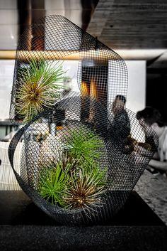 Pin on Ikebana Design Floral, Deco Floral, Arte Floral, Ikebana Arrangements, Floral Arrangements, Centrepieces, Contemporary Flower Arrangements, Creative Flower Arrangements, Flower Installation