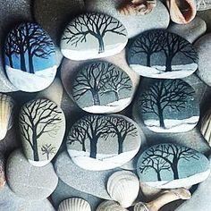 Sen aklıma gelince herşey gülümserdi. Ağaçlar şarkı söyler, rüzgar tatlı eserdi. #özdemirasaf