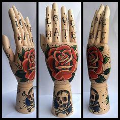 Rose / Skull wooden hand Love/Hate 'tattoo-style' door Inkspirednl