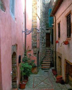 Sabina: A Stunning Land - My Secret Italy: SABINA TRAVELOGUE 2013 PART 4 - SALISANO, MOMPEO, FARFA, and CASTELNUOVO di FARFA - March 7, 2013