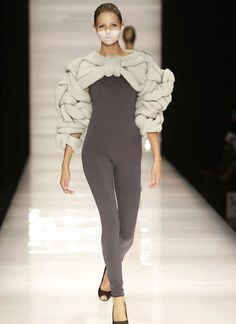 Sculptural Knitwear - Prada extreme knit design with woven textures Danish Fashion, 3d Fashion, Knitwear Fashion, Knit Fashion, Ideias Fashion, High Fashion, Fashion Design, Couture, Knitting Designs