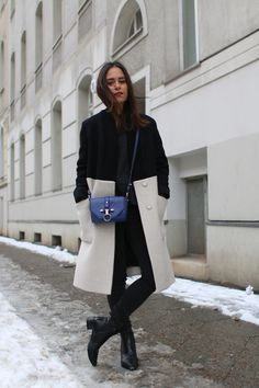 Nisi is wearing: Uterqüe Two-toned coat, COS Sweater, GinaTricot Skinny Jeans, Givenchy Obsedia Bag, Acne Studios Jensen Boots, Nars Velvet Matte Lip Pencil in Red Square