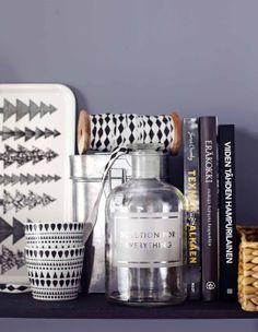 Black, white and gray. Story and styling: Natalia Rehbinder. Kotivinkki www. Still Life, Vodka Bottle, Christmas Holidays, Sweet Home, Koti, Black And White, Detail, Interior, Gray