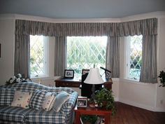 Stunning Concept of Drapes for Bay Window | HomesFeed