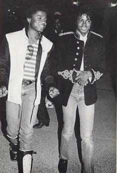 Michael e Randy Jackson Beat It Michael Jackson, Randy Jackson, Michael Jackson Quotes, Photos Of Michael Jackson, Jackson Family, The Boy Is Mine, Beverly Johnson, Joseph, King Of Music
