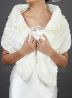 [CA$ 34.40] Faux Fur Wedding Shawl (013037953)