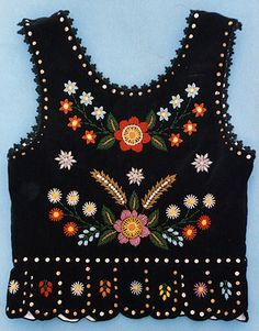 Embroidered vest - back - Polish Polish Embroidery, Embroidery Fabric, Floral Embroidery, Embroidery Stitches, Country Chic Outfits, Polish Folk Art, Weaving Yarn, Embroidery Neck Designs, Folk Clothing