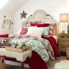 Christmas Bedroom Decor: 25 Ideas for a Cozy Holiday Bedroom! : Page 10 of 25 : Creative Vision Design Farmhouse Christmas Decor, Rustic Christmas, Simple Christmas, Farmhouse Decor, Diy Christmas Tree, Christmas Decorations, Christmas Music, Christmas Lights, Christmas Squares