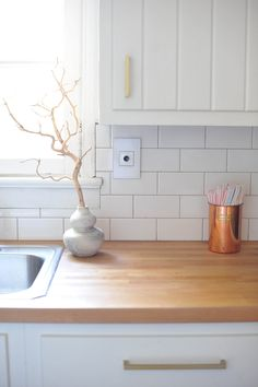 Kitchen DIY Update | Wave switch motion detector light switch -  adorne by legrand