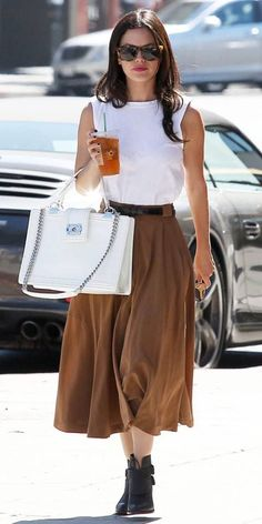 Celebrity Street Style    Picture    Description  Rachel Bilson Style    - #StreetStyle https://looks.tn/celebrity/street-style/celebrity-street-style-rachel-bilson-style/