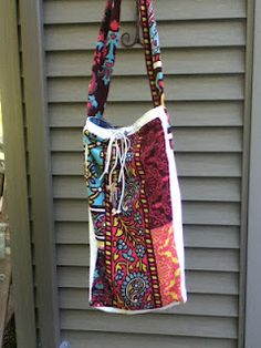 "Vintage Spiderwear All bag's are for SALE! Unless marked SOLD!  Lanie measures :25"" H X 16"" W   Crossbody strap is 21""L"