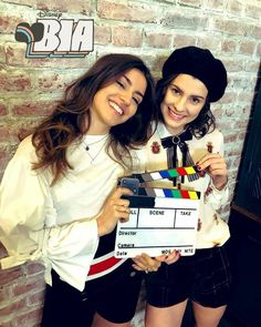 Disney Channel, Black Love Couples, Pinturas Disney, Cute Cartoon Girl, Photos Tumblr, Cute Pictures, It Cast, Victoria, Celebrities