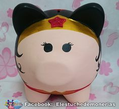Alcancía de cerdito mujer maravilla - wonder woman piggybank Personalized Piggy Bank, Peppa Pig, Paper Mache, Wonder Woman, Pop Art, Hello Kitty, Pottery, Baby Shower, Superhero
