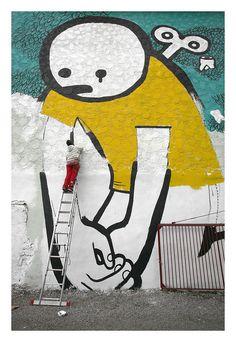 "Erfurt ist Bunt! ...coole Aktion - Graffiti in Kooperation mit der Stadt Erfurt!  ""Comic‐ und Straßenkunstfestival ""INTERZONE"" vom 21. bis 25. Oktober 2010 in Erfurt Nord by driesel, via Flickr Graffiti, Comic, Bunt, Street Art, Snoopy, Fictional Characters, Too Nice, Erfurt, Cool Ideas"