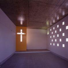 Inside chapel Murialdo School Santiago Chile Chile, Garage Doors, Architecture, School, Outdoor Decor, Pictures, Home Decor, Pageants, Spaces