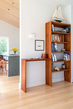 Entryway shelf and table combo – Mud Room Cottage Entryway, Entryway Shelf, Foyer, Slate Flooring, Hardwood Floors, Custom Bookshelves, Modern Shelving, Solid Wood Furniture, Coastal Homes