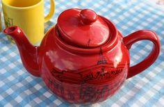 london teapot....must get one ASAP ;-)