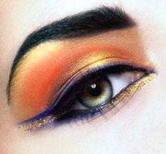 Sunset - Eye make-up - Glitter Makeup Art, Beauty Makeup, Hair Makeup, Makeup Ideas, Dance Makeup, Egyptian Eye Makeup, Cleopatra Makeup, Eyeliner, Eye Makeup Designs