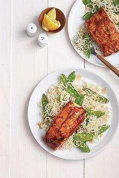 En panne d'inspiration du lundi au vendredi? Nos recettes pour un souper de semaine savoureux et pas compliqué. Fish And Seafood, Fish Recipes, Risotto, Clean Eating, Chicken, Dinner, Cooking, Ethnic Recipes, Filets
