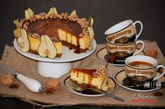 cheesecake with pears and walnuts