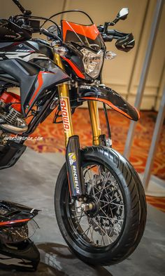 60 Ideas for dirt bike quotes cars Duke Motorcycle, Enduro Motorcycle, Motorcycle Design, Honda Supermoto, Yamaha Tw200, Dirt Bike Tattoo, Dirt Bike Quotes, Honda Dirt Bike, Motorcross Bike
