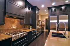 Modern Kitchen Design and Awesome Faucet
