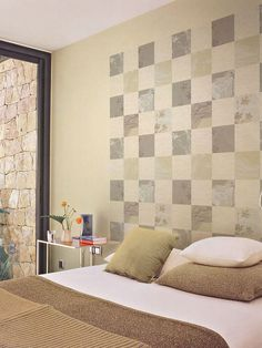 what an awesome wallpapering idea!