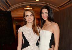 """Modezar Karl Lagerfeld verrät: """"Kendall ist mit Cara zusammen!"""""""